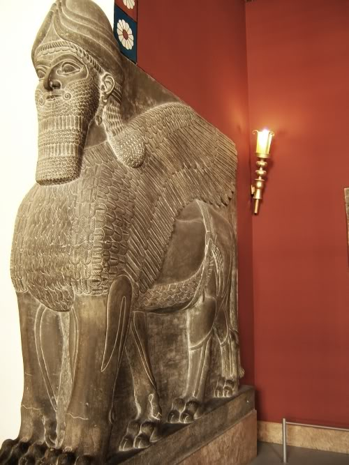 pergamon_assyrian_gate_keeper