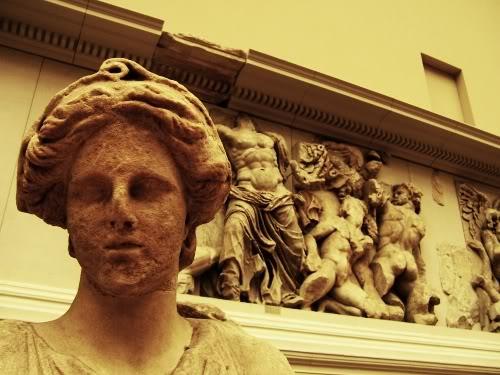 pergamon_zeus_background
